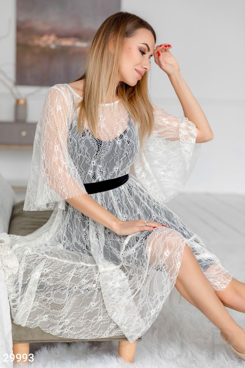 Нарядное кружевное платье-сетка