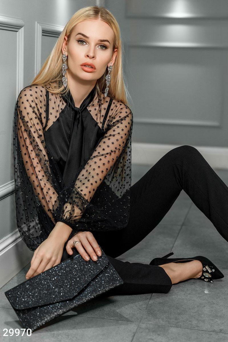 Нарядная шелковая блуза с прозрачными рукавами