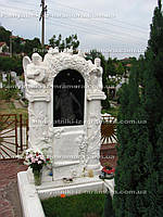 Мраморный памятник с  резными колоннами и ангелами №100