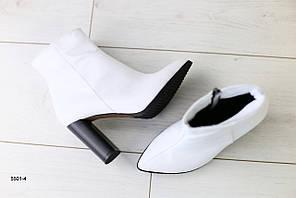 Женские демисезонные ботинки с обтянутым каблуком