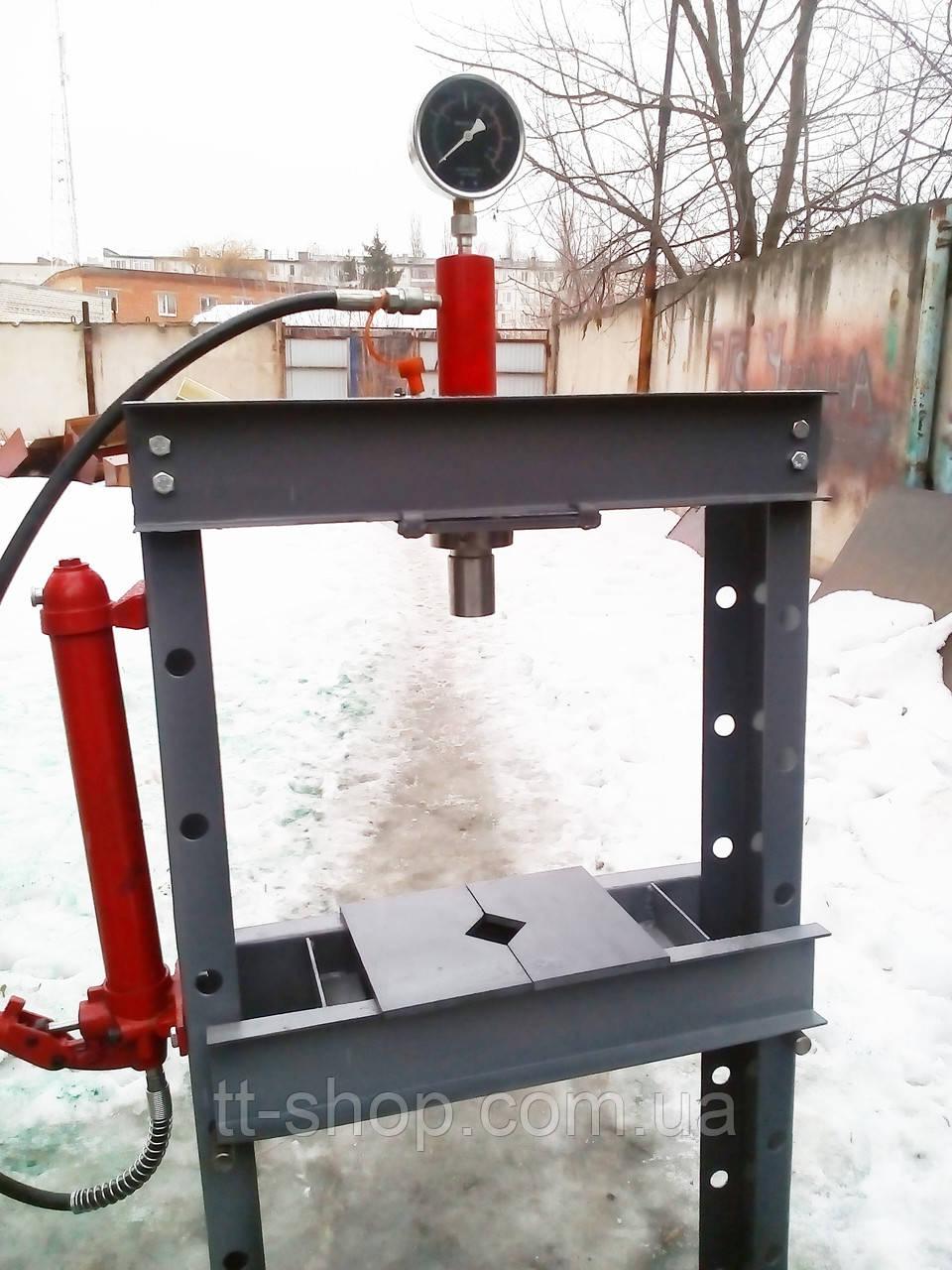 Пресс пневмогидравлический напольный 30 тонн эконом