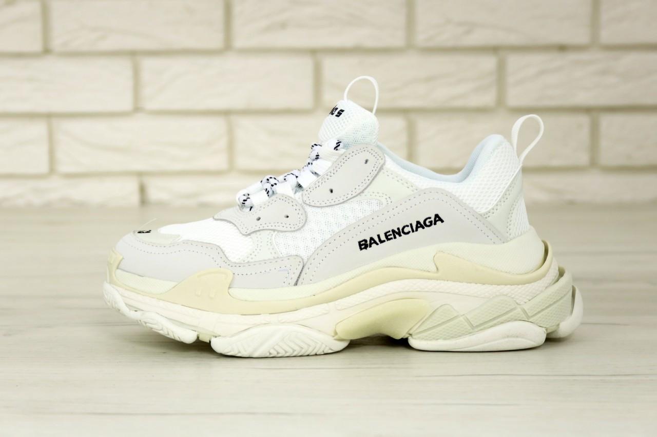 Кроссовки женские Balenciaga Triple S баленсиага белые. Многослойная подошва.. ТОП Реплика ААА класса.