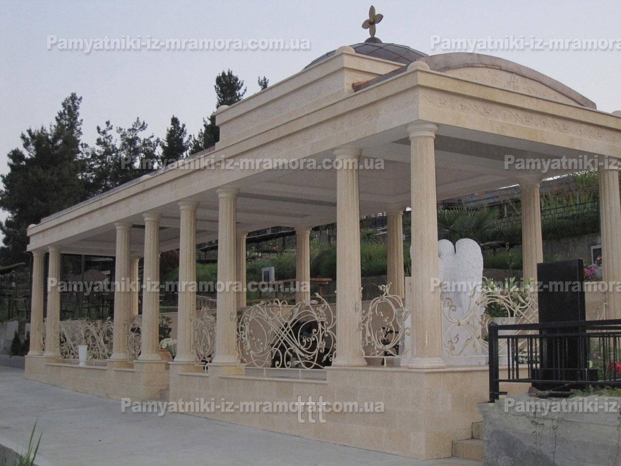 Комплекс из мрамора с колоннами №13