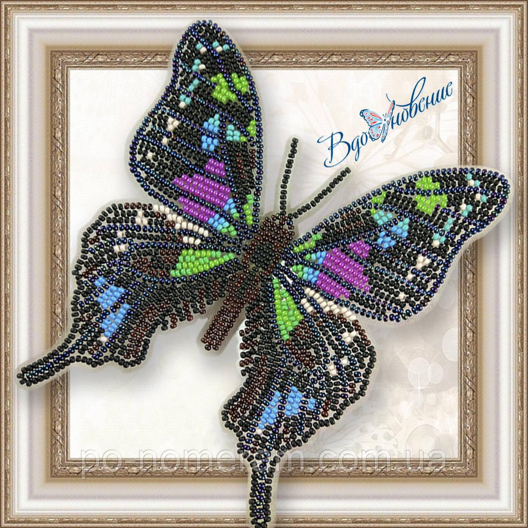 Бабочка из бисера вышивка на пластиковой основе Графия Веска (BGP021)