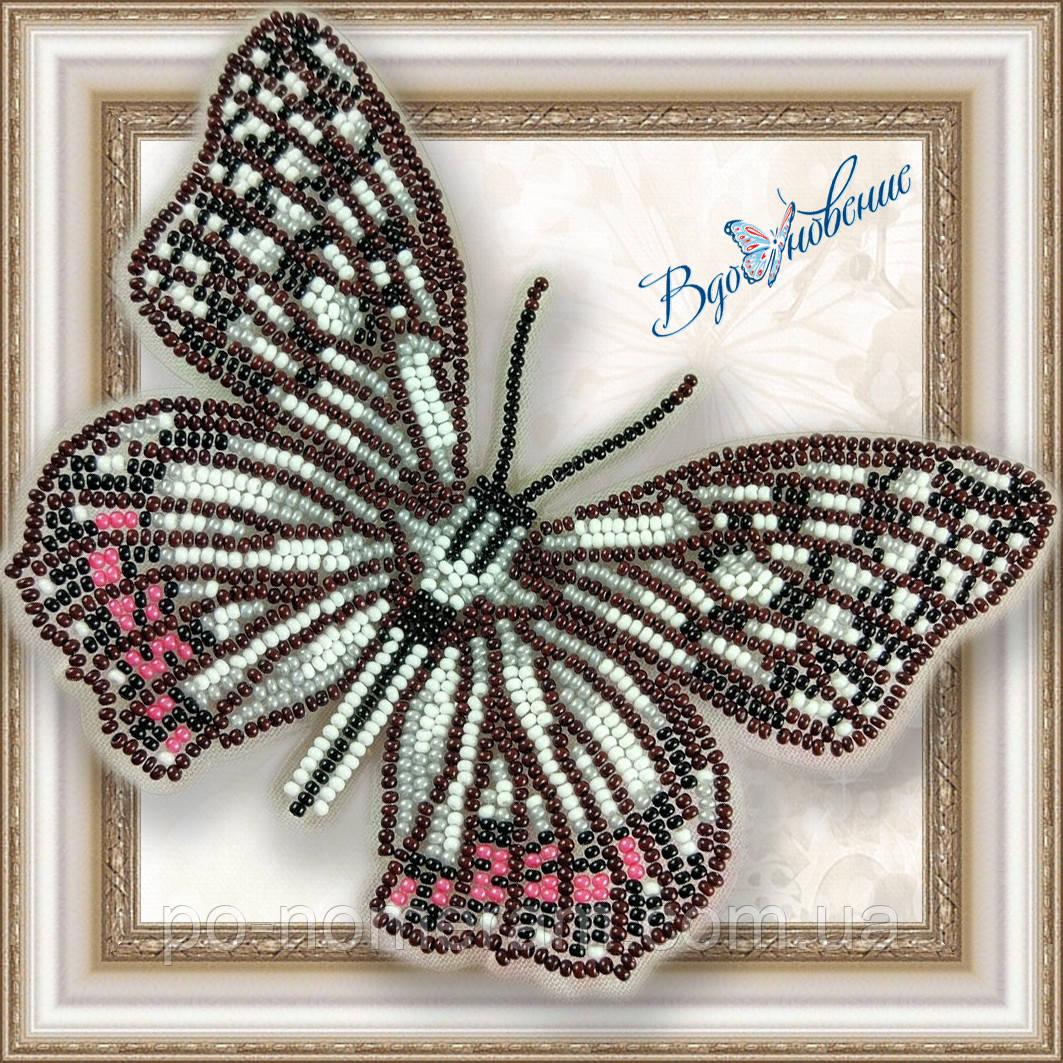 Бабочка из бисера вышивка на пластиковой основе Переливница (BGP037)