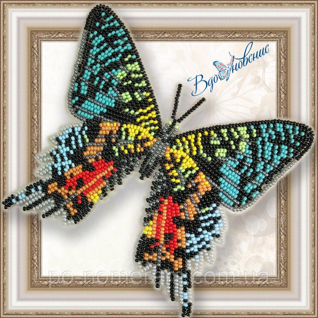 Бабочка из бисера вышивка на пластиковой основе Урания мадагаскарская (BGP043)