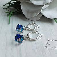 4d6ca5f4f138 Аккуратные небольшие серебряные серьги с кубиками Swarovski в цвете Bermuda  Blue