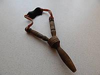 Рогатка деревянная темная