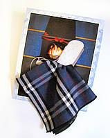 Подарочный носовой платок унисекс Плед на кресле у камина синий клетчатый