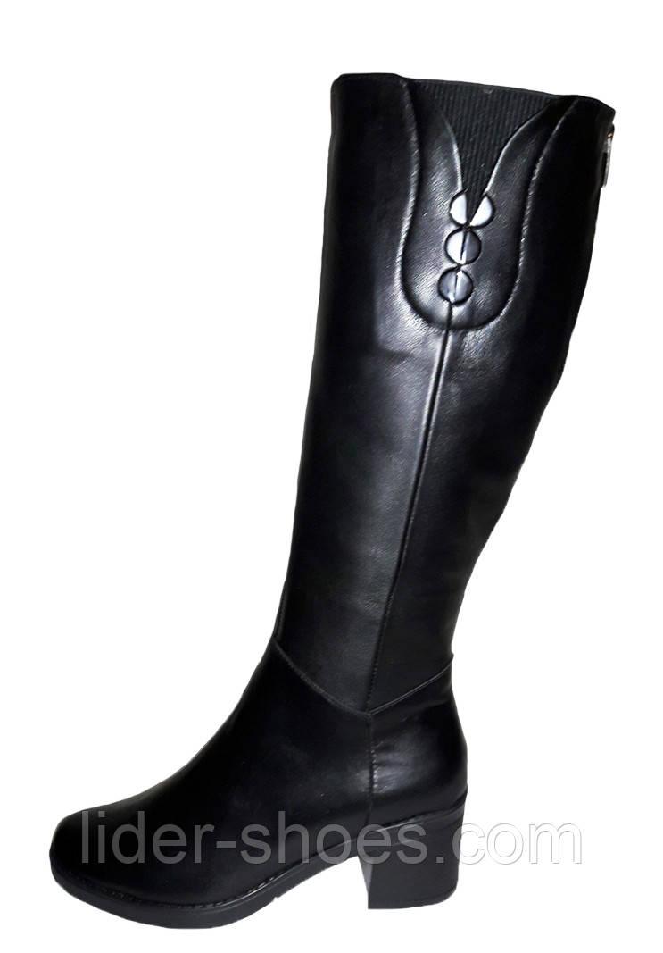 Демисезонные женские сапоги на каблуке