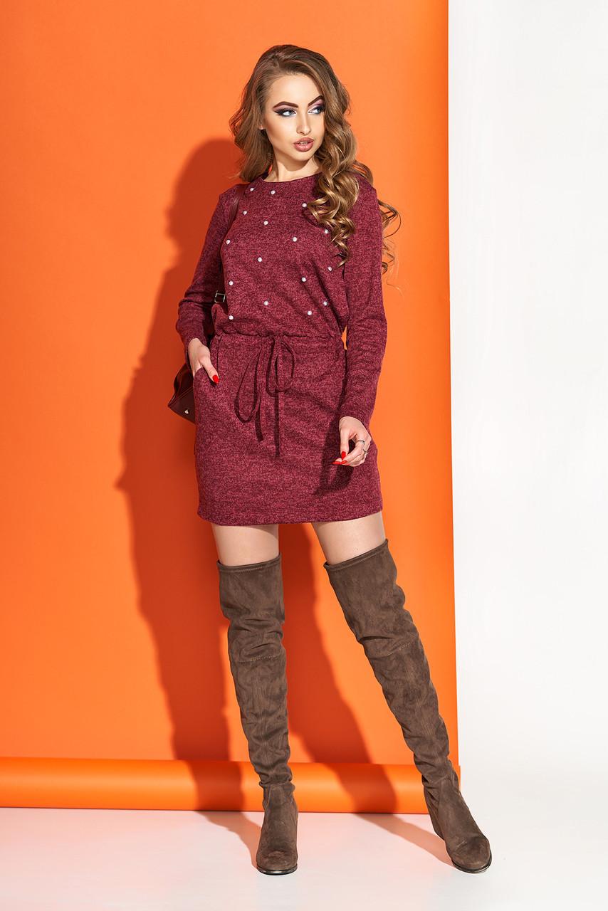 Бордовое платье мини трикотажное с декором