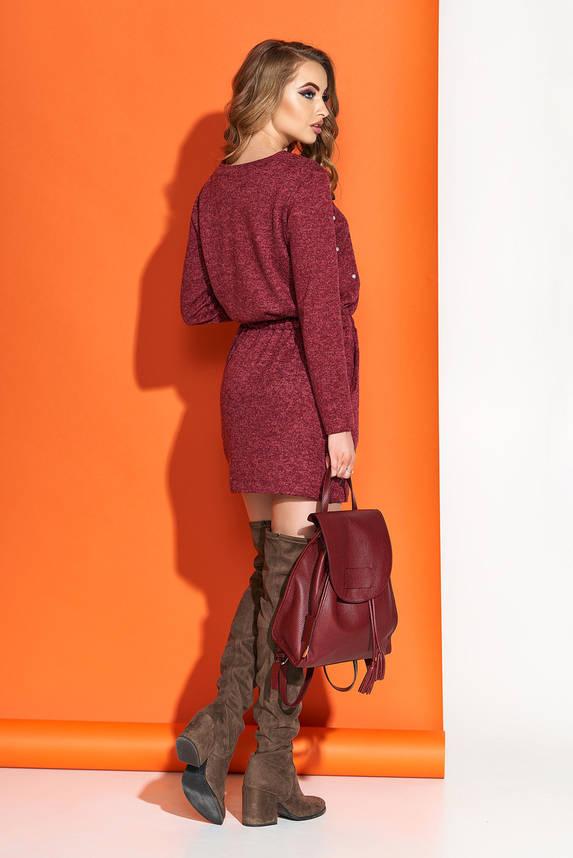 Бордовое платье мини трикотажное с декором, фото 2