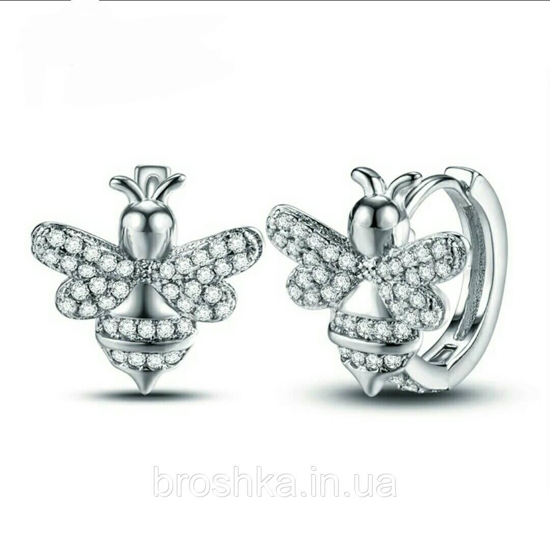 Белые серьги кольца в виде пчел ювелирная бижутерия