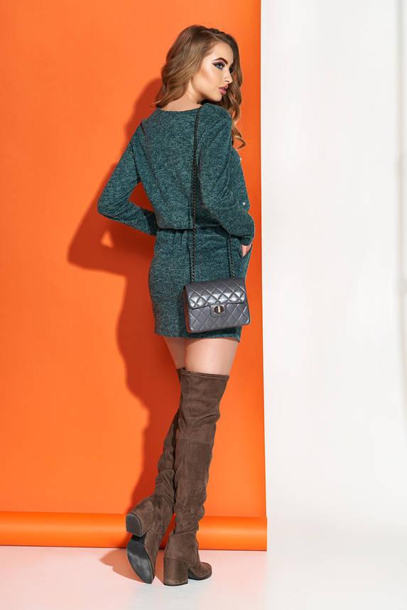Изумрудное платье короткое мини трикотажное с декором, фото 2