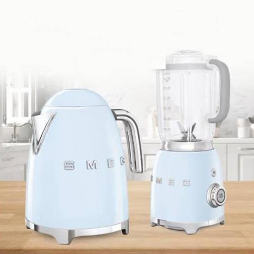 Комплект электрический чайник Smeg 1,7 л KLF03P + блендер Smeg BLF01