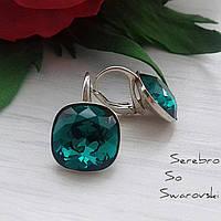 Серьги из серебра 925 пробы с камнями Сваровски бриллиантовой ювелирной огранки в изумрудном цвете