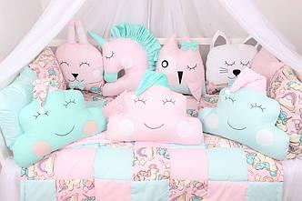 Комплект в кроватку с игрушками и облачками  Единороги