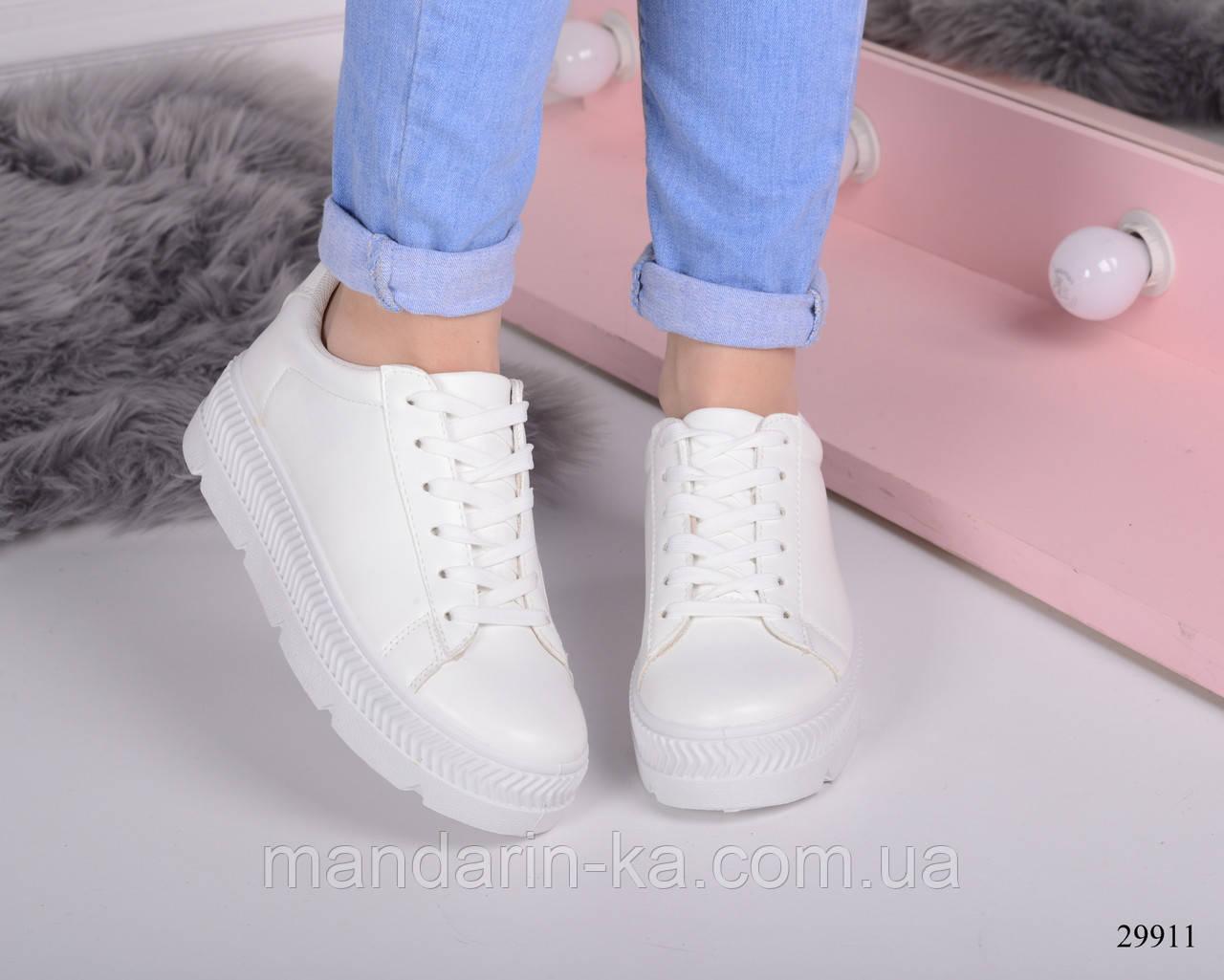 Женские  кроссовки  белые на толстой подошве