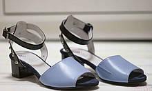 Женские кожаные босоножки на невысоком каблуке Возможен отшив в других цветах кожи и замши