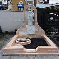 Памятник из розового мрамора  и  Богородицей №13
