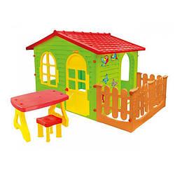 Детский домик с террасой и столиком Mochtoys. Красная крыша 07