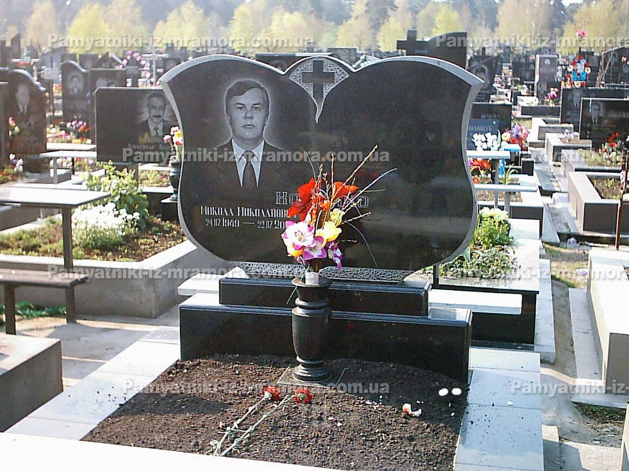 Двойное надгробие из гранита № 19