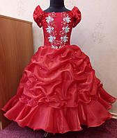 6.181 Блестящее красное нарядное детское платье с вышивкой на 6-8 лет