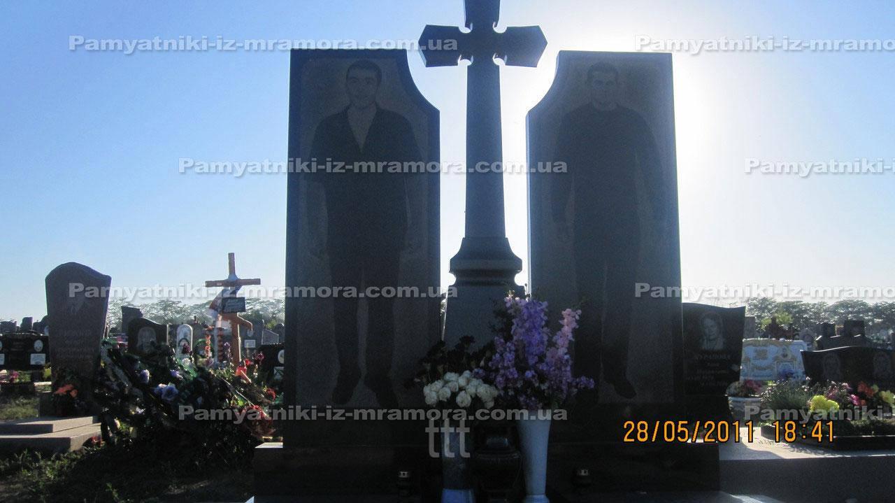 Двойной памятник с ростовым портретом № 38