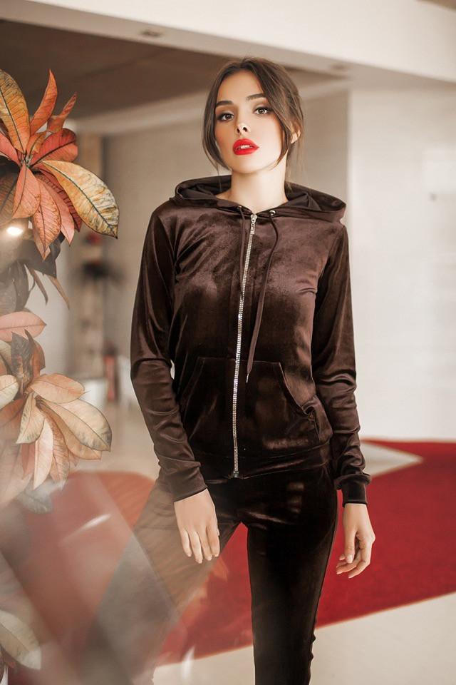 a4b06bbe Красивый велюровый спортивный костюм с капюшоном женский : продажа ...