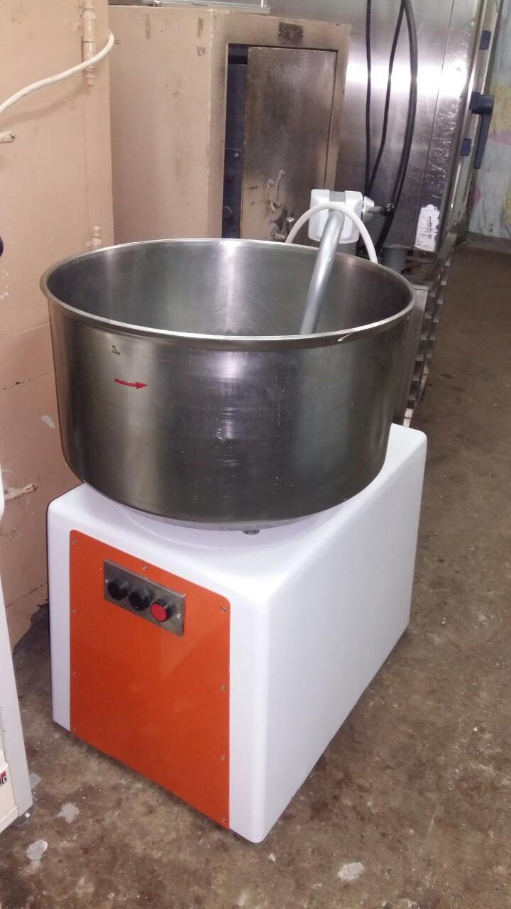 Tестомес тестомесильная машина Hubkneter HLK (Германия) 75 л