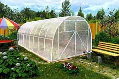 Самостоятельное обустройство теплицы: как покрывать крышу поликарбонатом