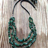 Колье из агата мохового (крошка, натуральный камень) на кожаном шнуркеручной работы   Lana Jewelry