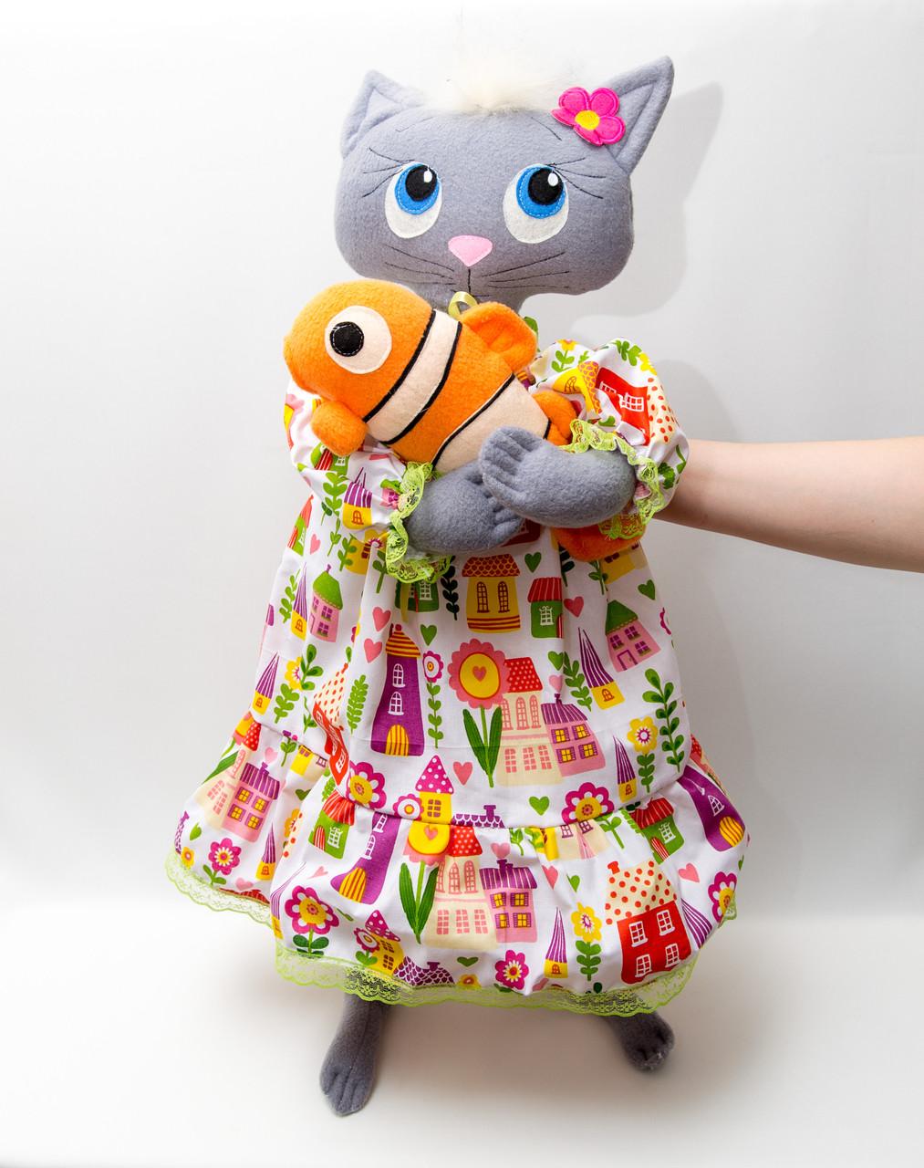 Интерьерная Кошка  (цвет в ассортименте)