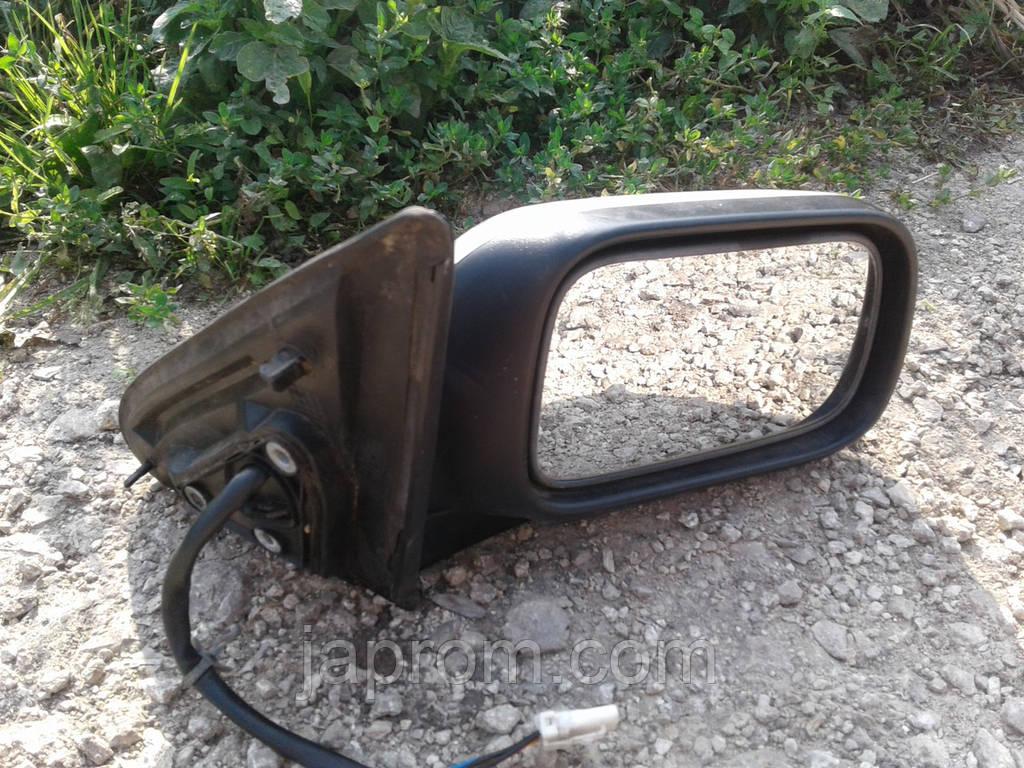Зеркало заднего вида правое Nissan Primera 11 silver