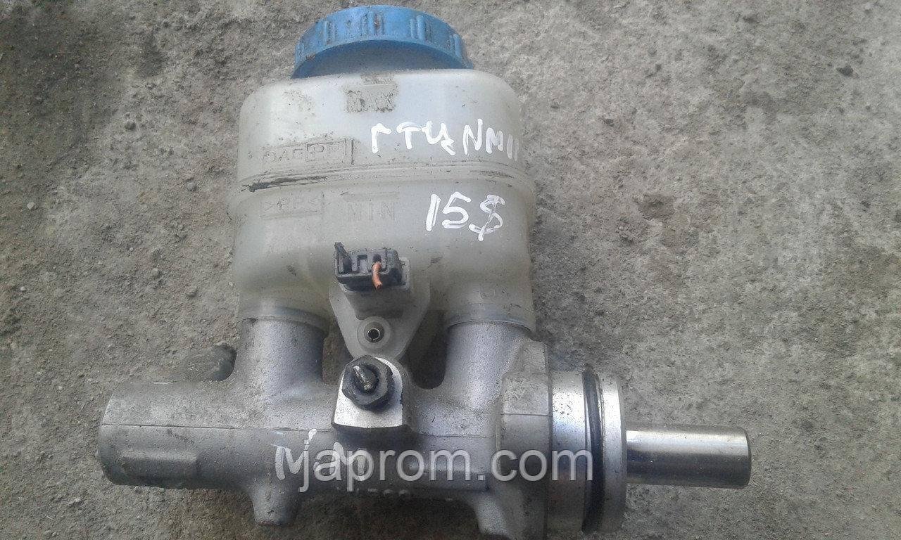 Главный тормозной цилиндр Nissan Micra K11 1992-2002 г.в. 1,0/1,3 бензин