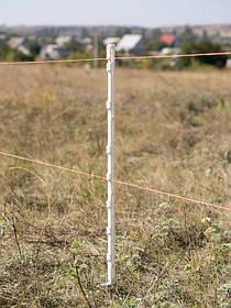 Столбики для электропастуха имеют специальные изоляторы для крепления электропроводящей бечевки, тесьмы или шнура (проволоки).