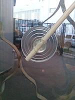 Присоска на лобовое стекло автомобиля