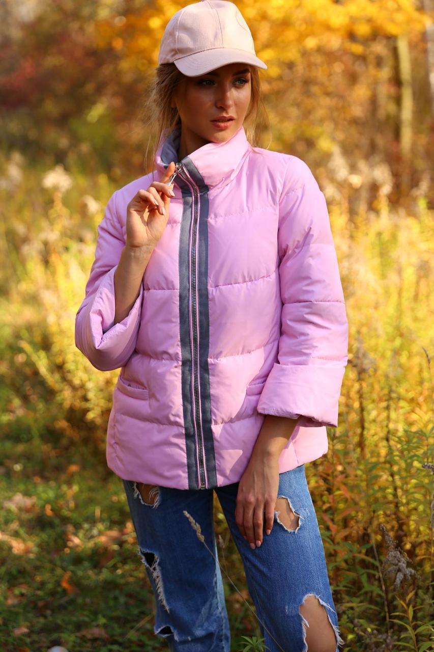 Модная куртка в спортивном стиле
