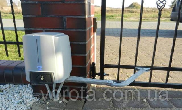 Электродвигатели - привода на распашные ворота из профнастила и сэндвич панели