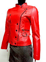 Женская куртка из экокожи красная