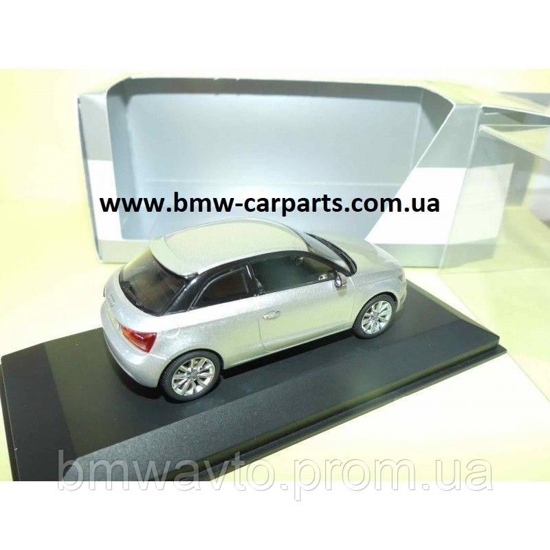 Модель автомобиля Audi A1 Scale 1 43