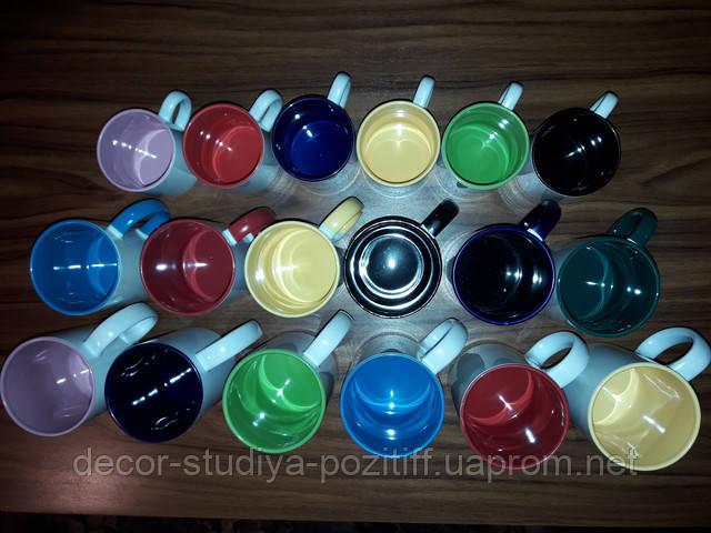 чашки разных размеров  с цветными элементами для печати фото
