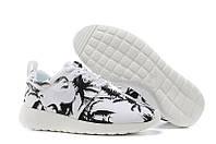 Женские кроссовки Nike Roshe Run Print (black-white)