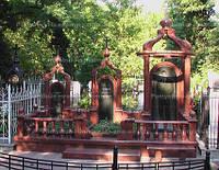 Семейное надгробие с колоннами № 24
