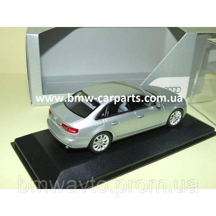 Модель Audi A4, Ice silver, 2013, Scale 1 43, фото 2