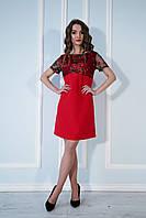 Платье свободное с вышитой сеткой красное.