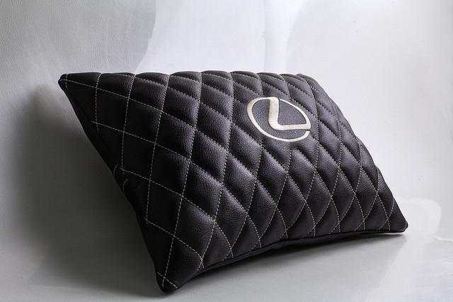 Автомобильные подушки, подушки-подголовники в автомобиль