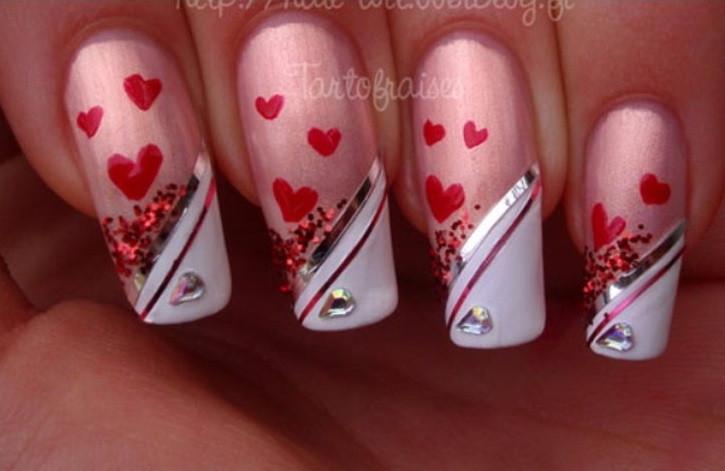 Красные полоски-наклейки на ногти