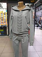 Женский спортивный костюм серый с капюшоном