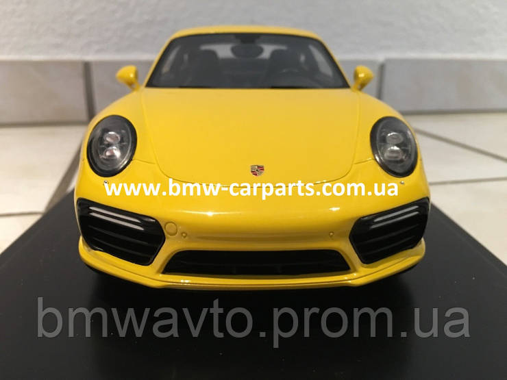Модель автомобиля Porsche 911 Turbo S (991 II), Scale 1:18, Racing Yellow, фото 2